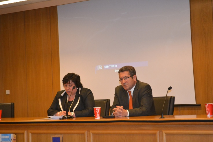 Clausura del acto a cargo de Pilar Castiñeira y del Inspector Jefe de Educación de la provincia de A Coruña.