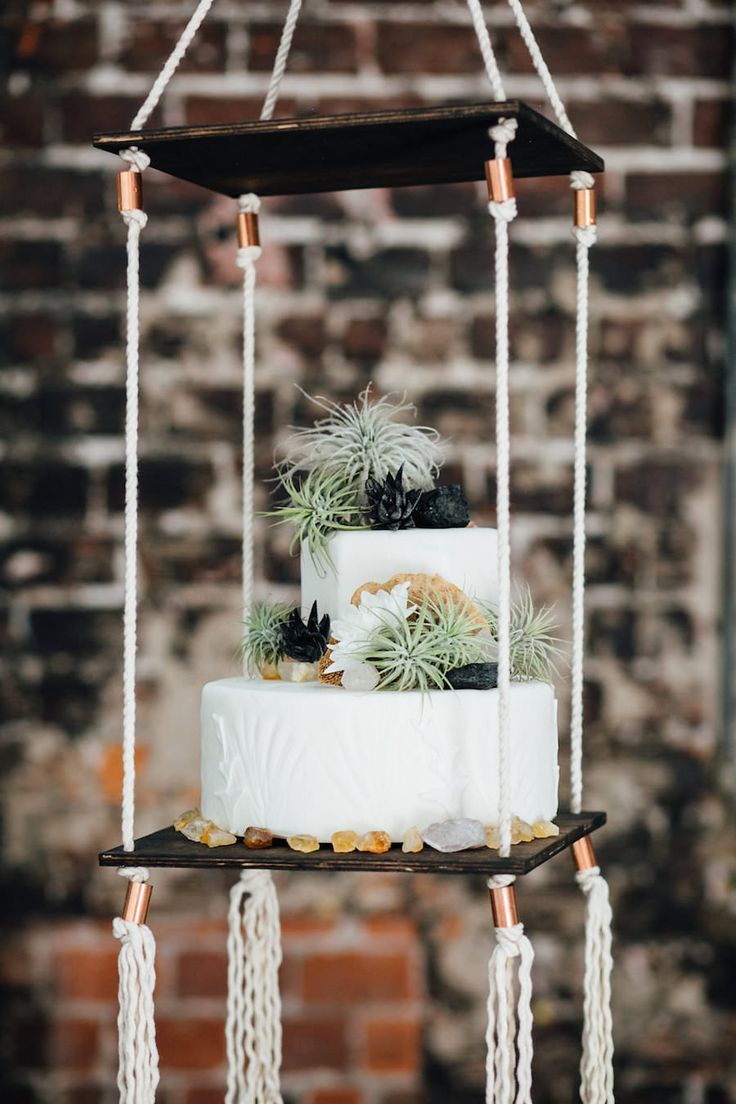 wedding cake suspended 1000 ideas about suspended wedding cake on 25860