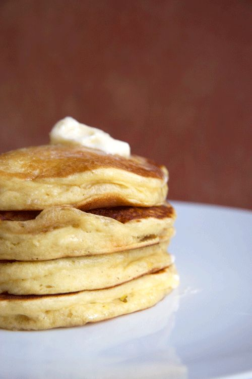 Oh dear sweet, delicious fluffy pancakes. I have missed you. Not anymore. I have finally formulated an easy gluten free pancake recipe and we crank them ou