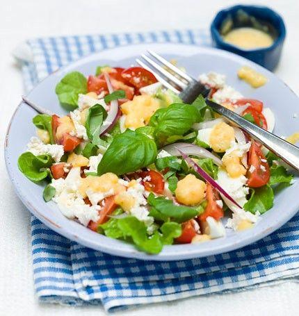 Tomat & äggsallad med basilika & feta 190 kcal/portion