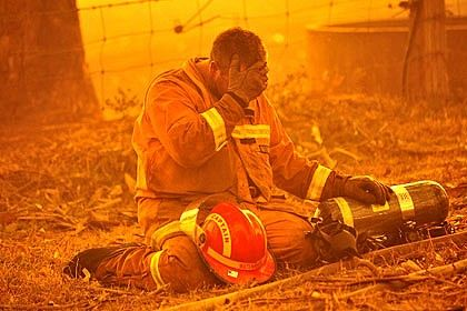 Assisting firefighters came from over Australia, New Zealand and the United States. 1 Australian firefighter was killed when a burnt out tree fell on him. -Social Impacts