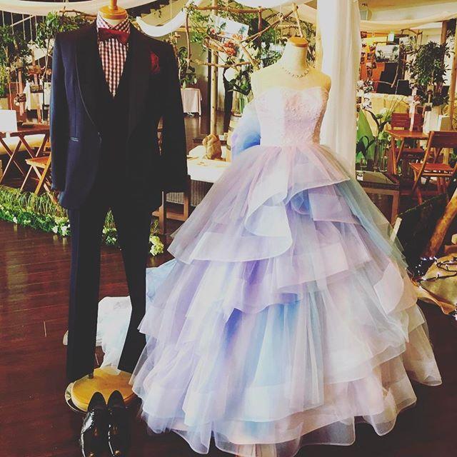 お気に入りの1着、見つかりましたか?♪ @fiorebianca_wedding  #鹿児島プレ花嫁 #結婚式#鹿児島#wedding #smile#ナチュラル#ナチュラルコーデ #リゾート#リゾ婚#ハワイ#バリ#披露宴ドレス#dress#グラデーション#グラデーションドレス#dressthelife#fiorebianca#フィオーレビアンカ#オシャレ#グレイスヒル#グレイスヒルオーシャンテラス#gracehill #全国のプレ花嫁さんと繋がりたい
