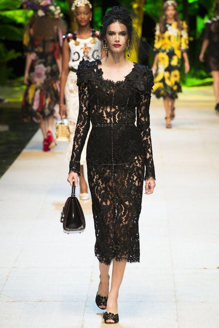 Défilé Dolce & Gabbana Printemps-été 2017 - catwalk - runway - model - fashion