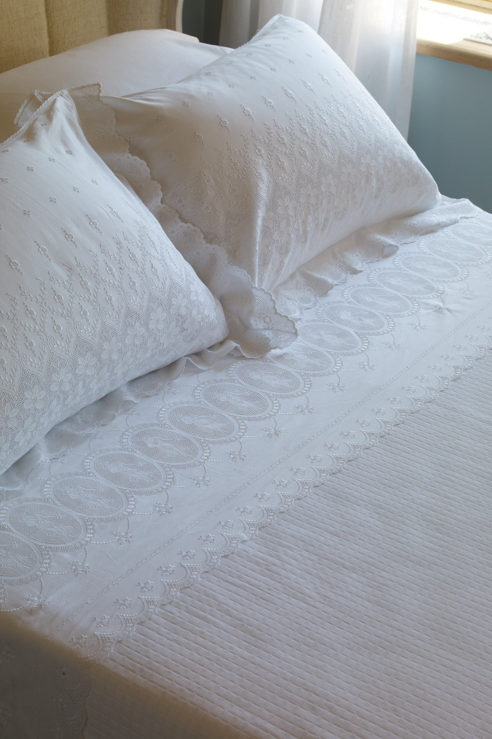 French lace piquet set #bedding #dantell lace