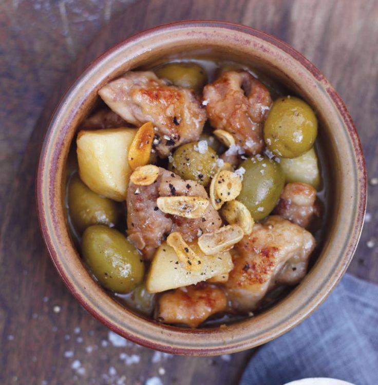 Este salteado rápido e suculento é um prato caseiro, rústico e substancial que nos satisfaz  realmente