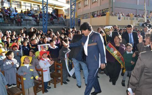 Bolivia Informa: Unidad Educativa Club de Leones inaugura modernas aulas y tinglado en La Paz