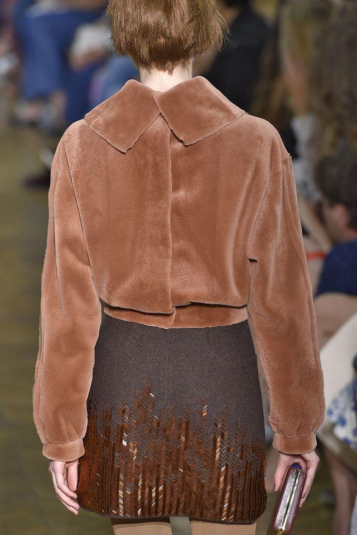 Ulyana Sergeenko, Paris.  #fur #fashion #hautecouture #AW16