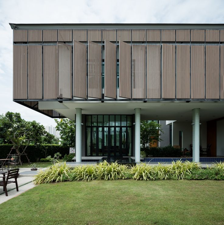 Image 1 of 50 from gallery of Tiwanon House / Archimontage Design Fields Sophisticated. Photograph by Beer Singnoi