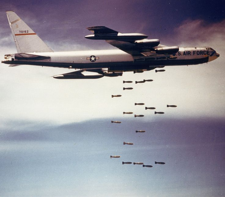 Boeing B 52 Stratofortress Of The U S Air Force History: B-52 Carpet Bombing During Operation Linebacker