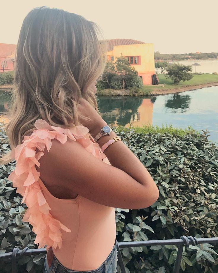 """""""Mi piace"""": 620, commenti: 3 - 🌵Bikini Made in Porto Cervo🌵 (@labikineria) su Instagram: """"Pesco Nude is the color of 💡S🌅in Porto Cervo 💘 Maleficent Pesca + Fiori 1 Pesca 👩🎨 Customize your…"""""""