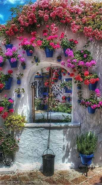 Courtyard in Cordoba, Spain • photo: Lui G. Marín on Flickr