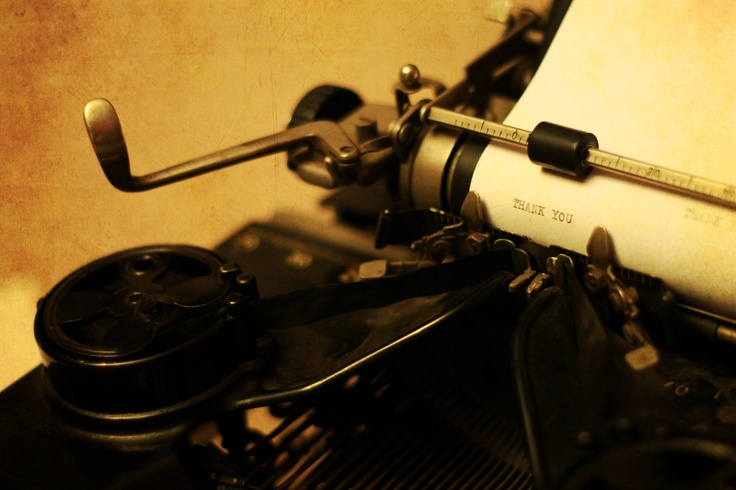 love this :)  my amaaazzzinngg typewriter i got for christmas :) :)  H.  Macro Photography:)