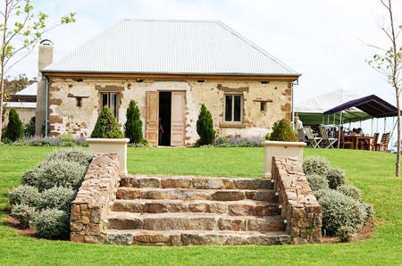 Google Image Result for http://0.tqn.com/d/australianfood/1/0/H/8/-/-/Cupitts_Winery_Milton.jpg