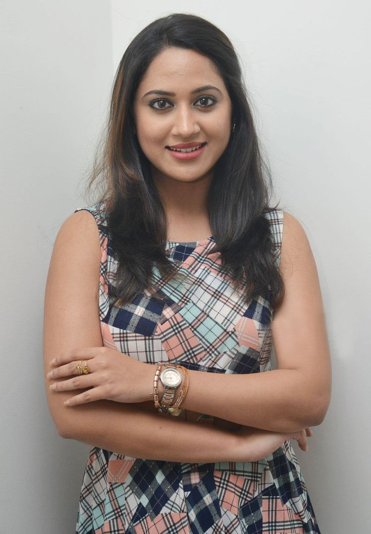 Actress Mia George photoshoot Gallery