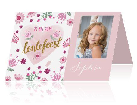 Uitnodiging lentefeestje meisje met bloemen