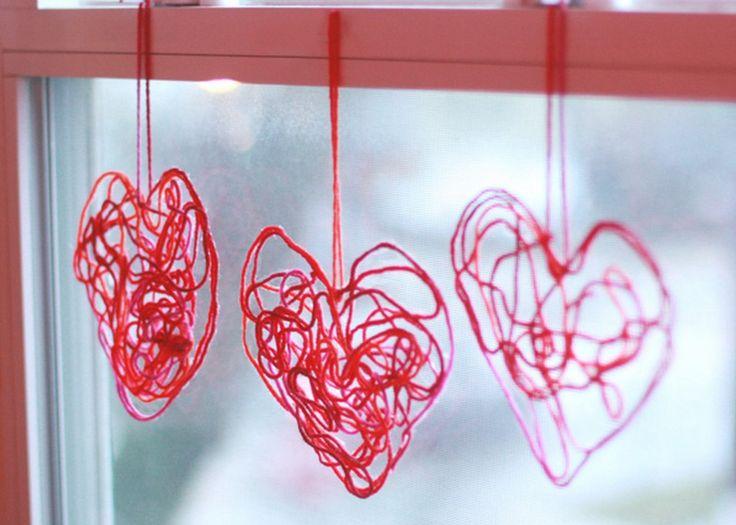 Gör enkelt garnpyssel till alla hjärtans dag!