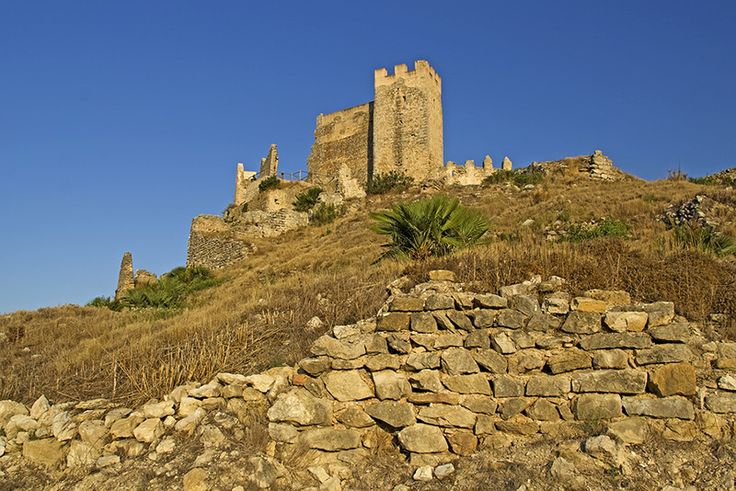 Castillo de Xivert, a ruined fortress located near the town of Alcala de Xivert. It was owned by Templars in the 15th century. Photo imagefinder.