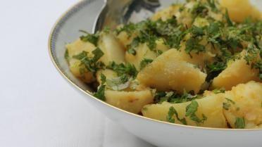 Aardappelsalade met munt en citroenmelisse