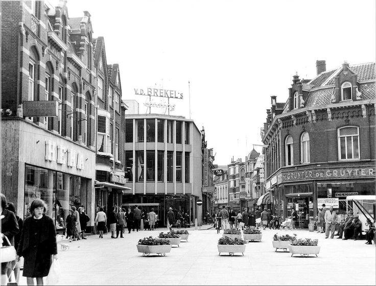 Heuvel uit 1964, met Heuvelstraat. Links de Hollandse Eenheidsprijzen…