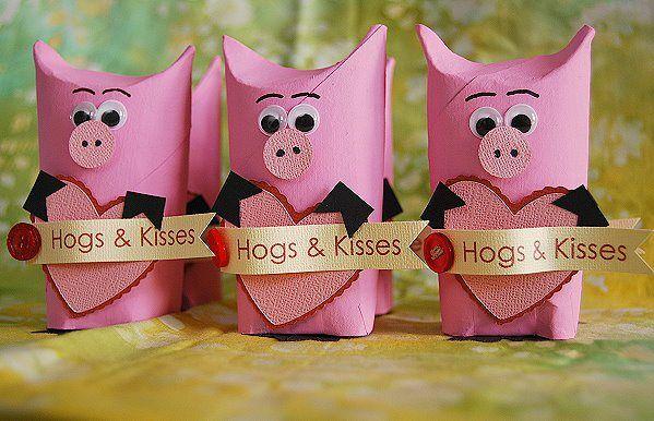 Hogs and Kisses Valentine - CreativeMeInspiredYou.com