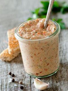 paprika, poivron rouge, yaourts, huile d'olive, ail, feta