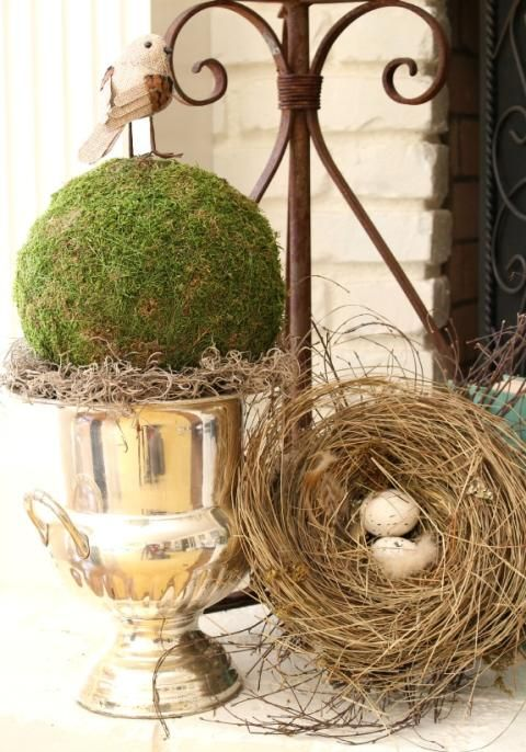 Spring decor in the family room http://mysoulfulhome.com