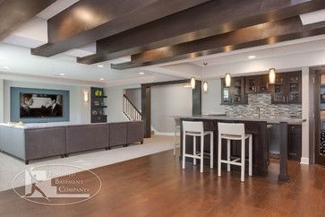 Basement home theater and wet bar contemporary for Finished walkout basement ideas