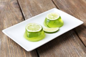 ***¿Cómo hacer Gelatina de Mojitos?*** Vaya idea deliciosa: gelatina de mojitos para servir en tus fiestas....SIGUE LEYENDO EN... http://comohacerpara.com/hacer-gelatina-de-mojitos_11154c.html