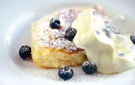 Mannapannkaka med vaniljblåbär - Recept - Arla