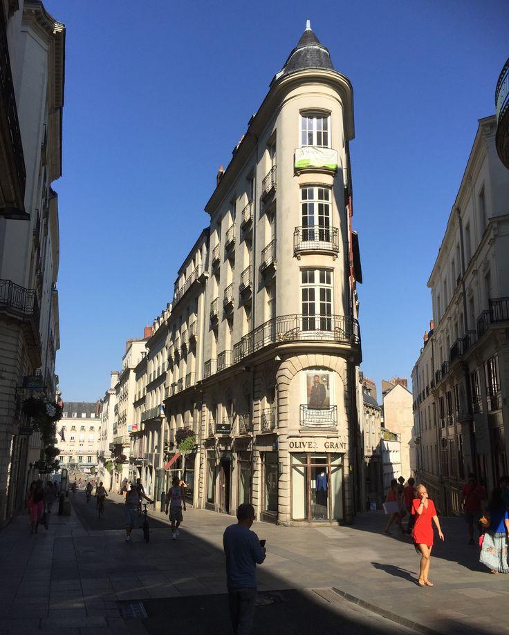 Faire du #shopping à #Nantes, se dit : #Crébillonner. #mode #PrettyWoman #CentreVille