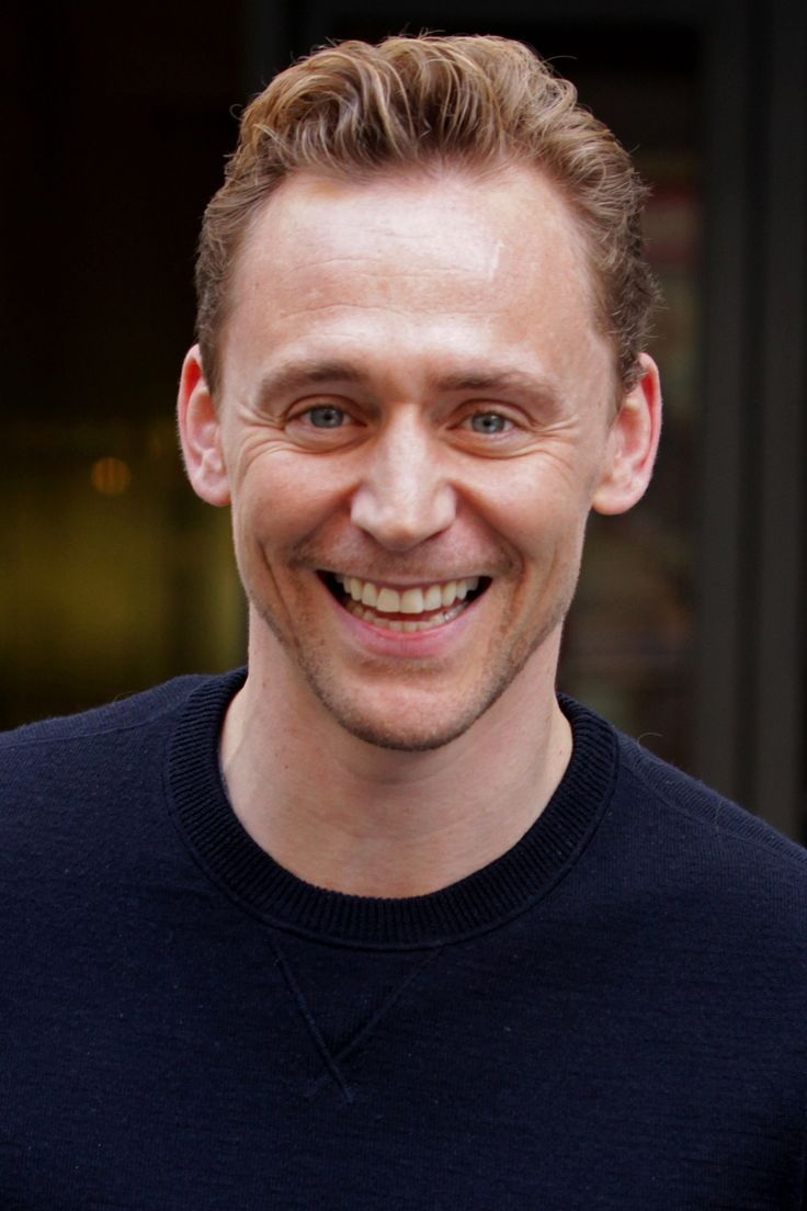 Tom Hiddleston @ the BBC Radio 2 Studios, London 1.10.2015 From http://www.weibo.com/torilla