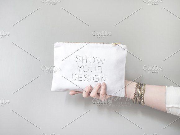 Download Cosmetic Make Up Bag Mockup Psd Jpg Bag Mockup Create Your Own Image Makeup Bag