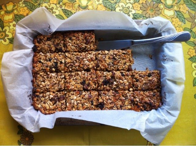 justfordaisy: Recipe: Homemade Muesli Bars using leftover muesli and a few other simple ingredients! Yum!