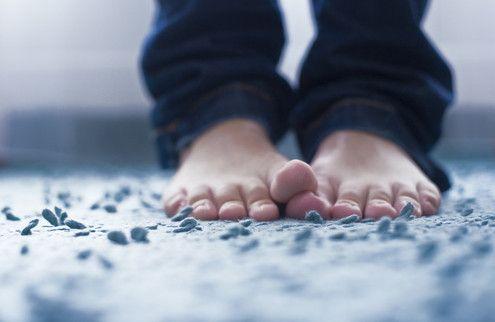 Listerine and vinegar foot baths - Healing Toenails with Listerine and Vinegar