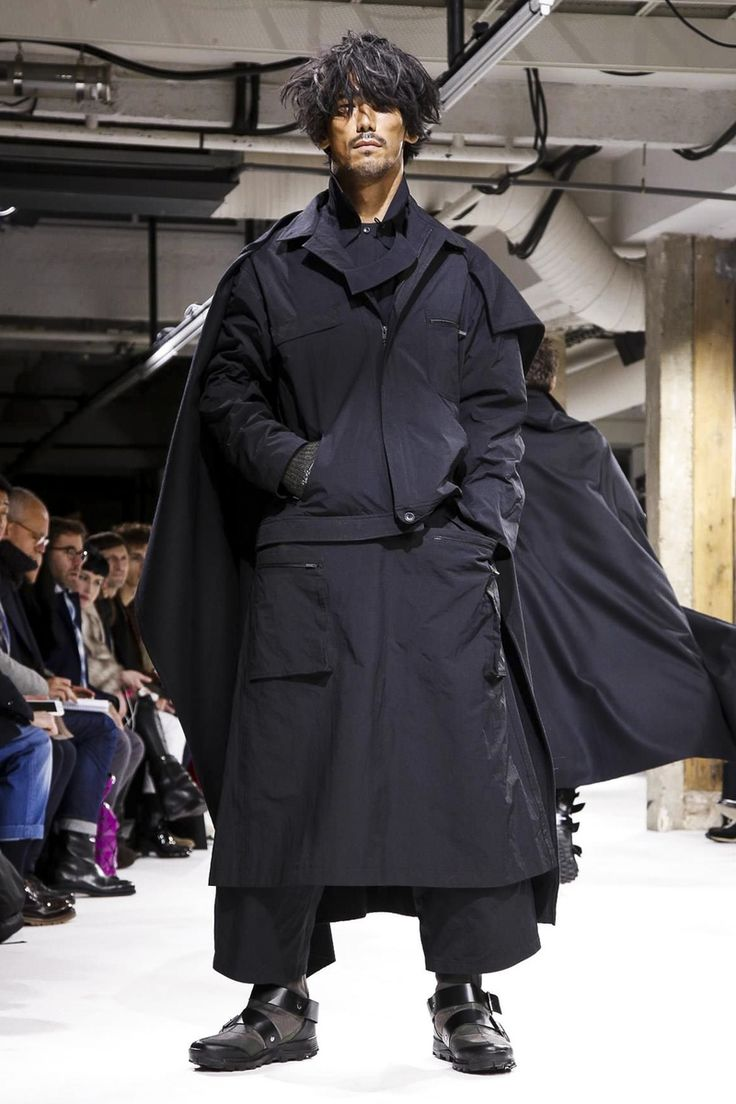 Yohji Yamamoto Menswear Fall Winter 2017 Paris