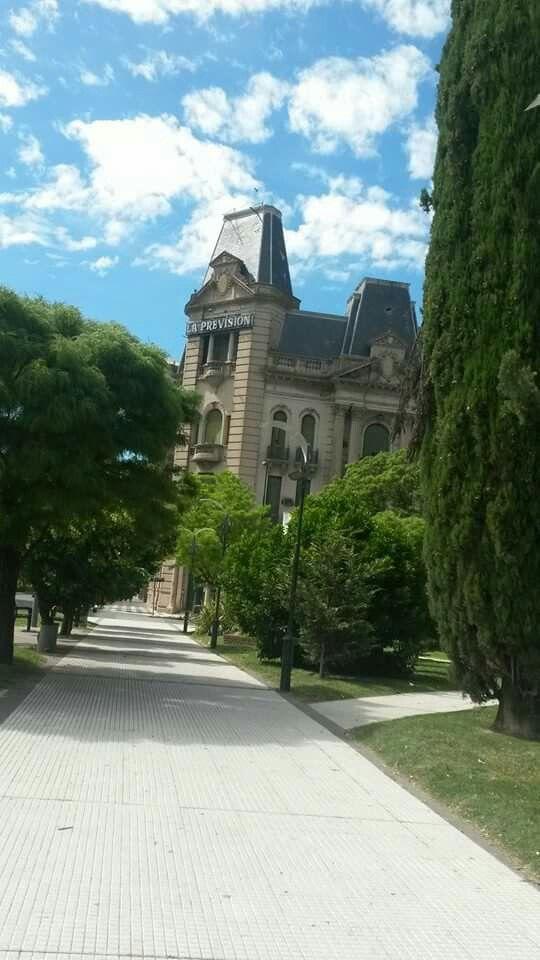 Viejo edificio de la Previsión , Tres Arroyos , Buenos Aires, #Argentina  #lugares #diariodeviaje .