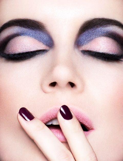 photographer Felix lammers  Chanel make-up story  www.auraphotoagency.com