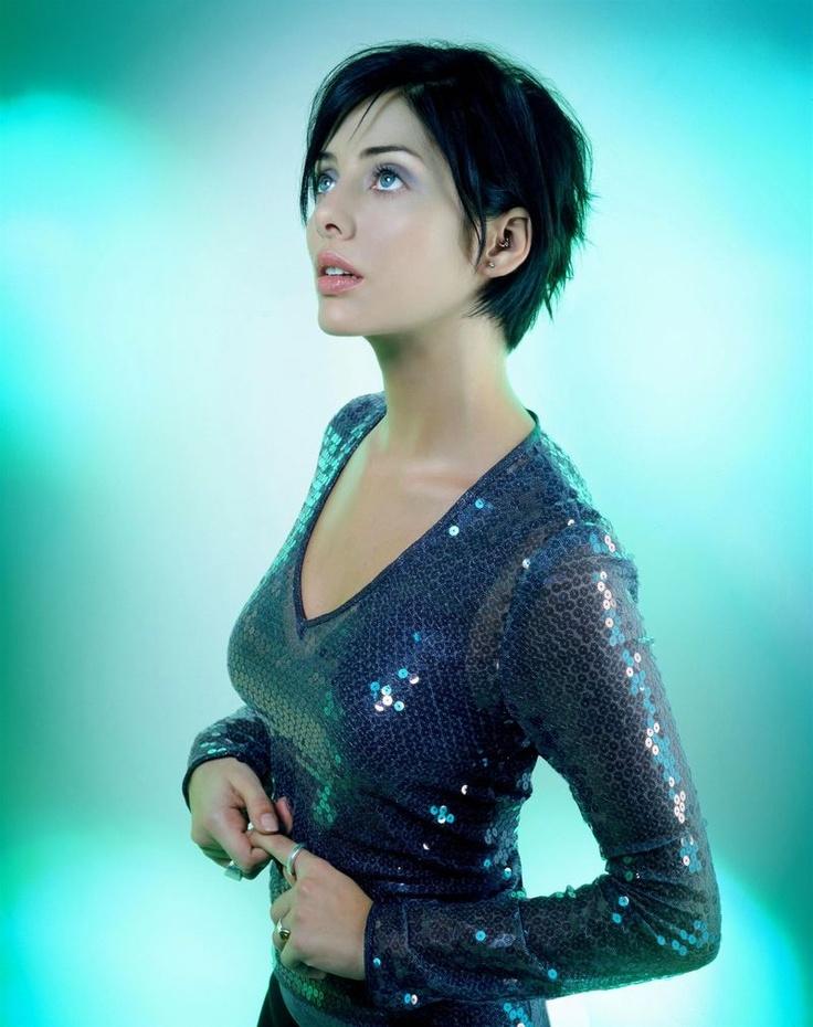 Natalie Imbruglia (4 février 1975) Chanteuse australienne