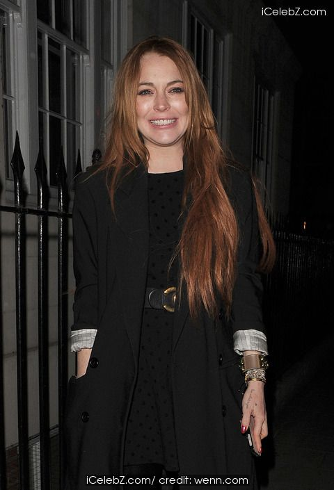 Lindsay Lohan  enjoys dinner at C London in Mayfair with a male companion http://www.icelebz.com/events/lindsay_lohan_enjoys_dinner_at_c_london_in_mayfair_with_a_male_companion/photo1.html