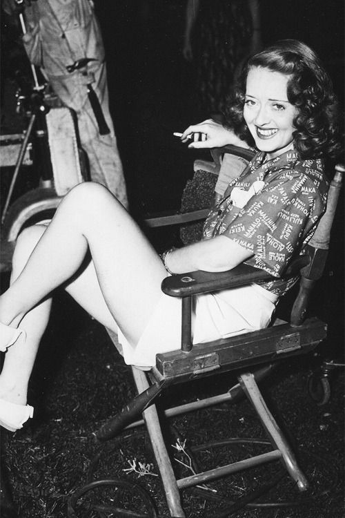 "Bette Davis on the set of ""The letter"" 1940 © Bert Six love the hair 40s casual"
