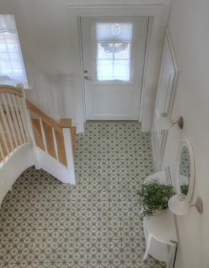 Greenville - Historische Fliesen verleihen dem Foyer einen aristokratischen Touch.