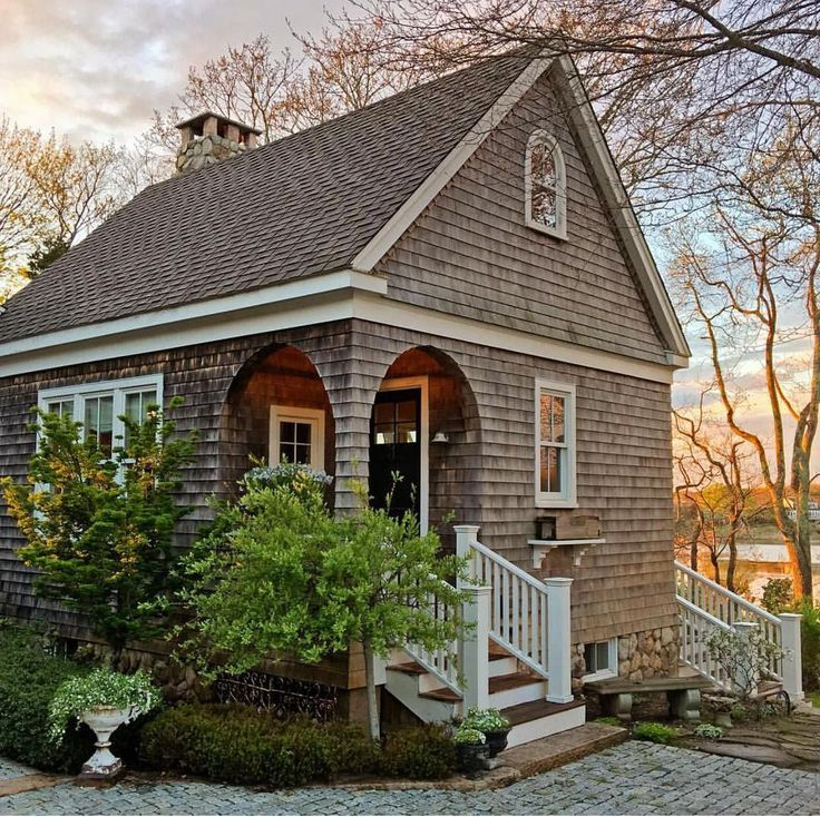 Small House On The Beach: 25+ Best Ideas About Small Beach Cottages On Pinterest