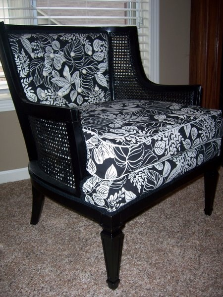 <3 this redone chair ... living room?