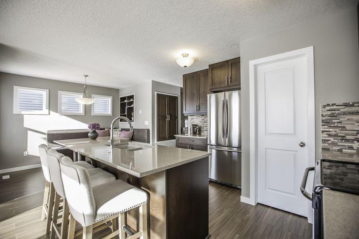 Beautiful top floor, open concept #kitchen