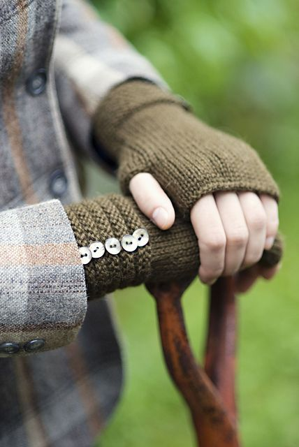 Welted Fingerless Gloves pattern by Churchmouse Yarns and TeasFingerless Gloves, Churchmouse Yarns, Knits Crochet, Teas, Gloves Pattern, Fall Inspiration, Welt Fingerless, Crochet Knits, Crafts