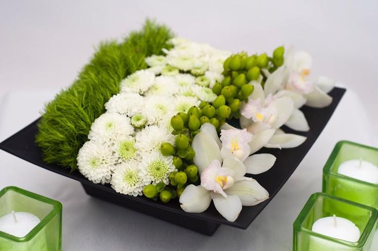 Charlotte Design: Events - Corporate Event flowers. Stylish, low centerpiece