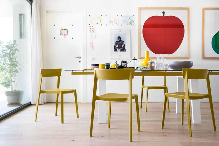 I f you are looking for practical design, grag this SKIN chairs by Calligaris