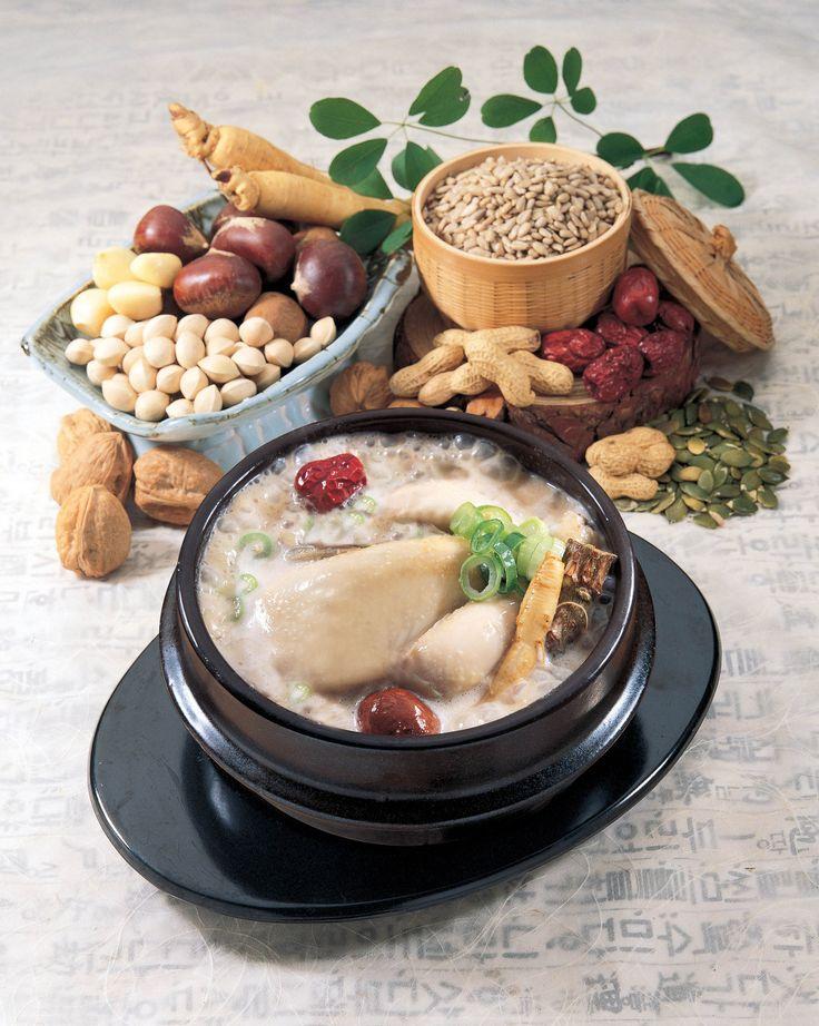 삼계탕(samgyetang) / Ginseng Chicken Soup  Whole young chicken stuffed with ginseng, sticky rice, Korean dates and garlic. It is widely recognized as an energy- boosting meal during summer.