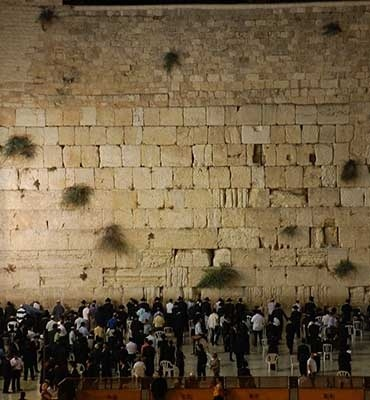 The Western Wall may seem majestic in this picture, but the truth is that only an in-person visit can truly do it justice.