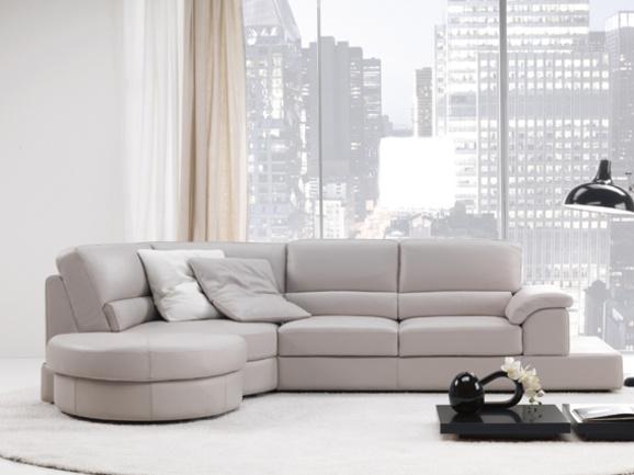 Oltre 25 fantastiche idee su divani in pelle rossa su - Divano grigio perla ...